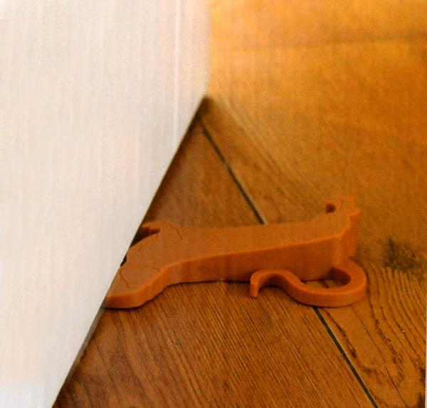 Tacskó alakú ajtókitámasztó