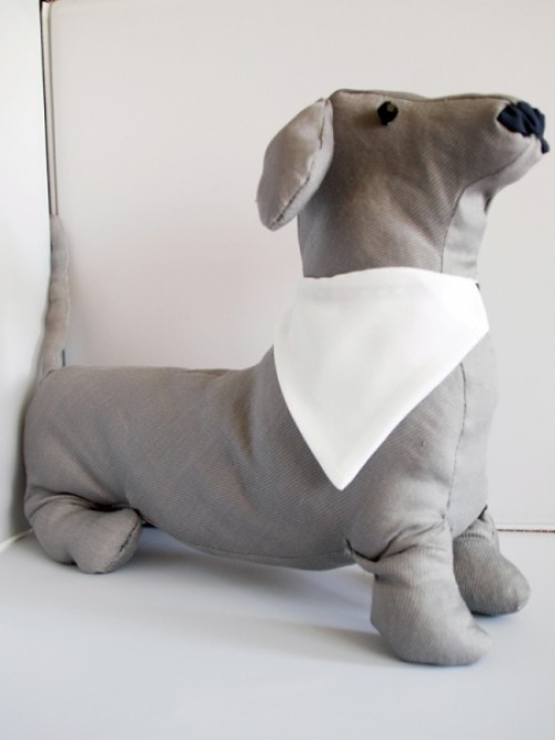 fehér kutya kendő