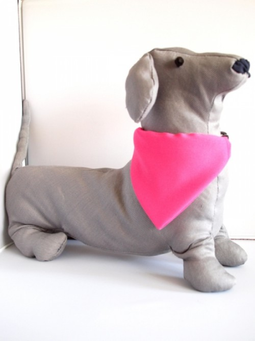 bcb9819bb8 Rózsaszín kutya kendő egyedi grafikával | [Bol-dog] Egyedi kutyás ...