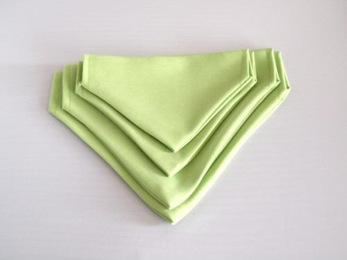 halbány zöld kendő