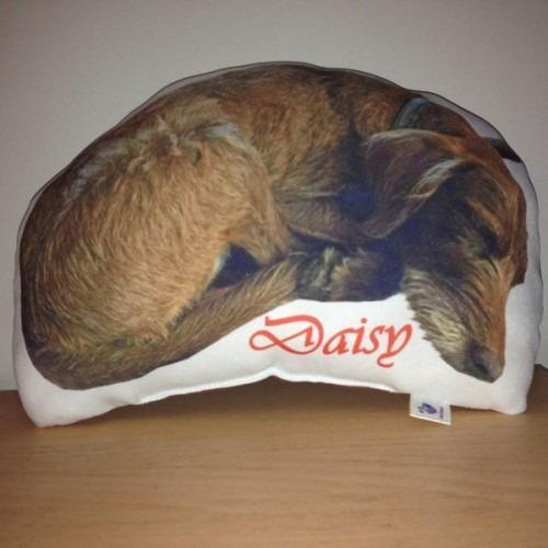 Egyedi kutya alakú párna
