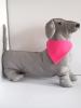 Kutya kendő egyedi grafikával, pink