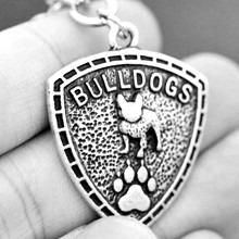 Francia bulldog mintás pajzs kulcstartó